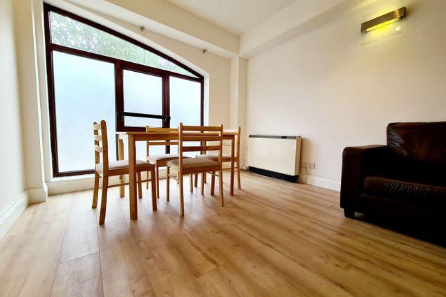 Studio for sale in Knighten Street, Wapping E1W