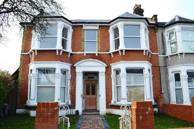 Thumbnail Flat to rent in Wellmeadow Road, Lewisham