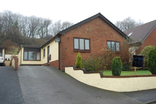 Thumbnail Bungalow to rent in Parc Newydd, Foelgastell, Llanelli