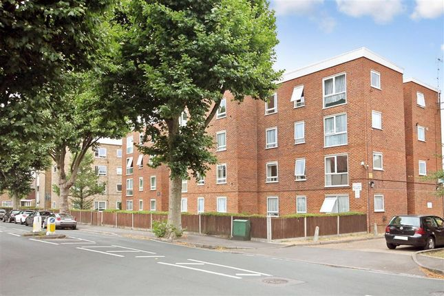 1 bed flat for sale in St. James Road, Sutton, Surrey