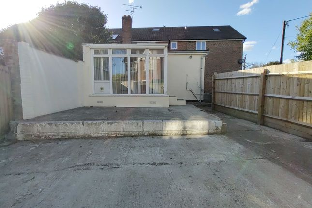 Studio for sale in Meadows Close, Ingrave, Brentwood CM13