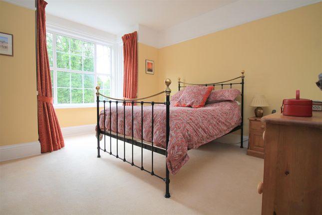 Bedroom 1 of Kings Barn Villas, Steyning BN44