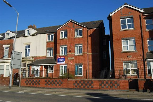 Thumbnail Flat to rent in Powell Court, Bury, Lancs