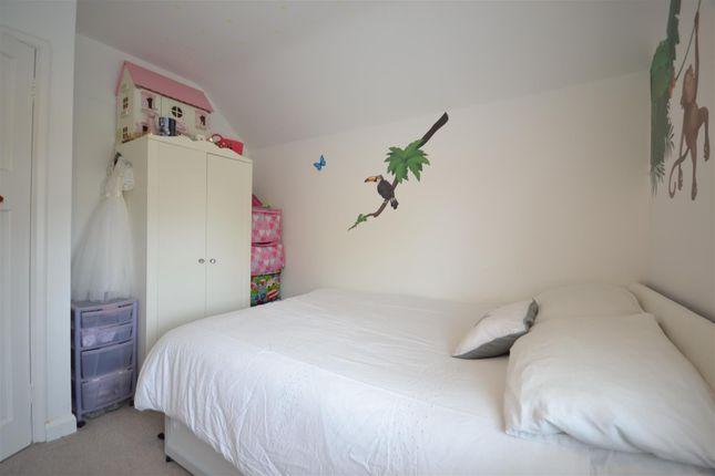 Bed 2 Alt of Hook Road, Epsom KT19