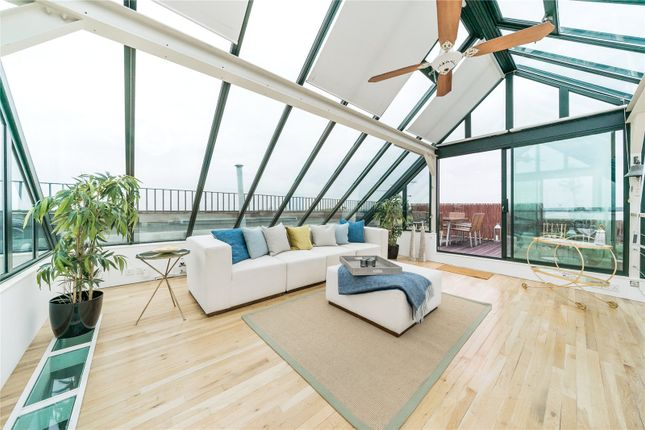 Thumbnail 3 bedroom flat for sale in Brandon House, 13 Wyfold Road, London