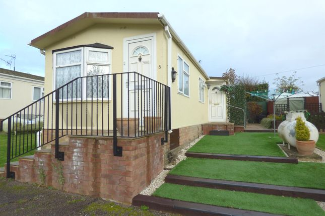 Thumbnail Mobile/park home for sale in Ashleigh Park, Ware