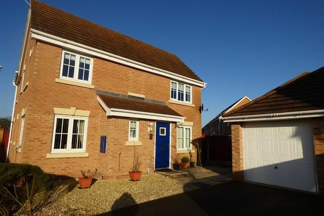 Thumbnail Property for sale in Sunningdale Way, Gainsborough