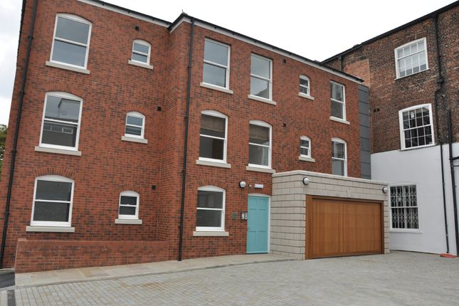 Thumbnail Flat to rent in Andrew Street, Wakefield