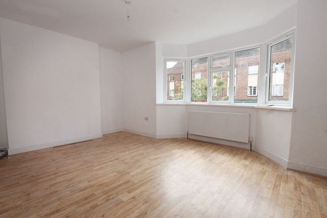 Thumbnail Flat to rent in Central Parade, Western Avenue, Perivale, Greenford