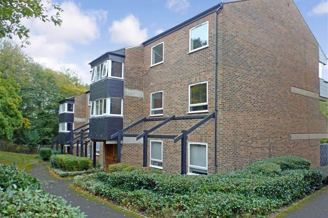 2 Bed Flat For Sale In Lance Croft New Ash Green