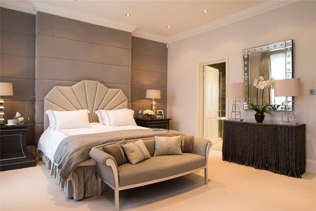 Bedroom of Warwick Place, Little Venice, London W9