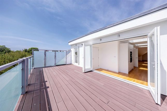 Thumbnail Penthouse for sale in Fontenoy Road, London