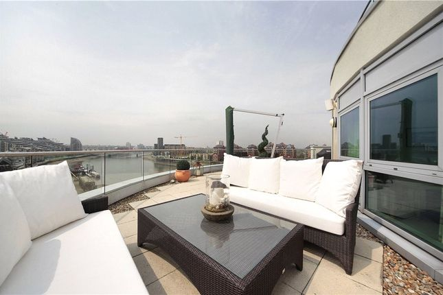 Thumbnail Flat for sale in Vicentia Court, London