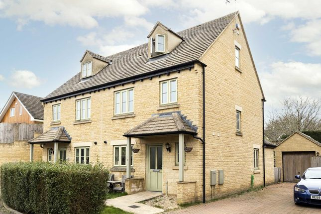 4 bed semi-detached house to rent in Foxfield Court, London OX7