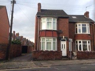 3 bedroom semi-detached house to rent in Rainton Road, Doncaster