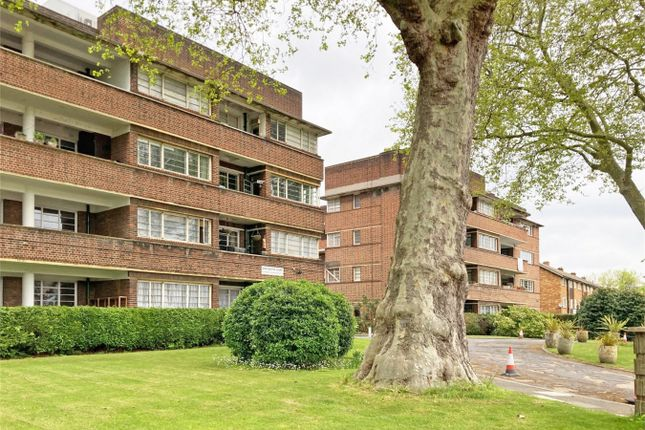 Thumbnail Flat to rent in Dorchester Court, Herne Hill, London