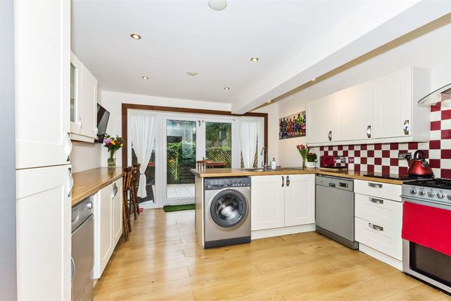 Thumbnail Detached house for sale in New Road, South Darenth, Kent