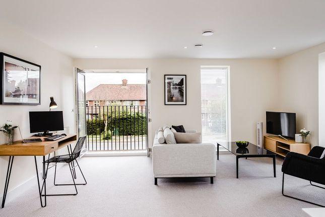 Thumbnail Flat to rent in Milton Road, Cambridge