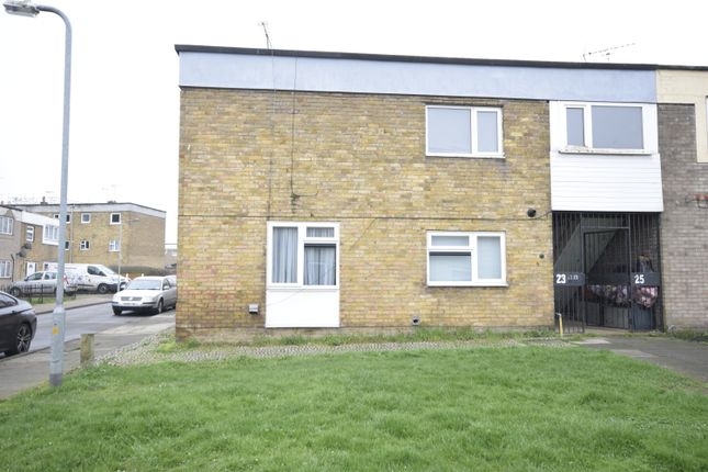 Thumbnail Flat for sale in Brempsons, Basildon