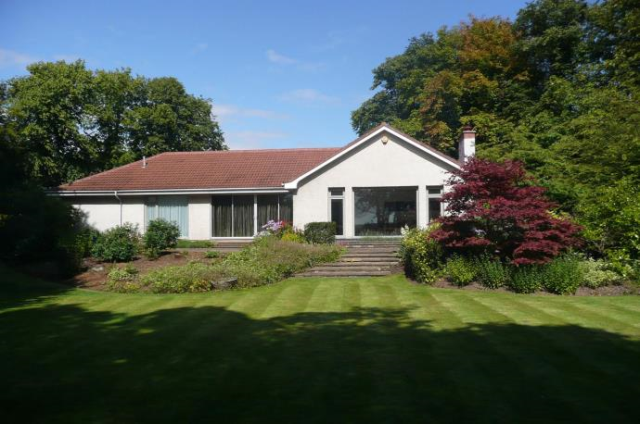 Thumbnail Detached bungalow to rent in Albany Road, Broughty Ferry Dundee