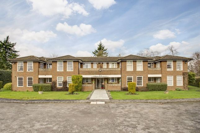 Thumbnail Flat to rent in Hamilton Place, 1 Orchehill Rise, Gerrards Cross, Buckinghamshire