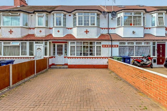 Thumbnail Terraced house to rent in Cleveley Crescent, Hanger Lane, Ealing