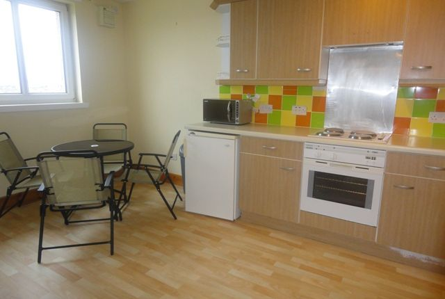 Thumbnail Flat to rent in Lenzie Way, Glasgow