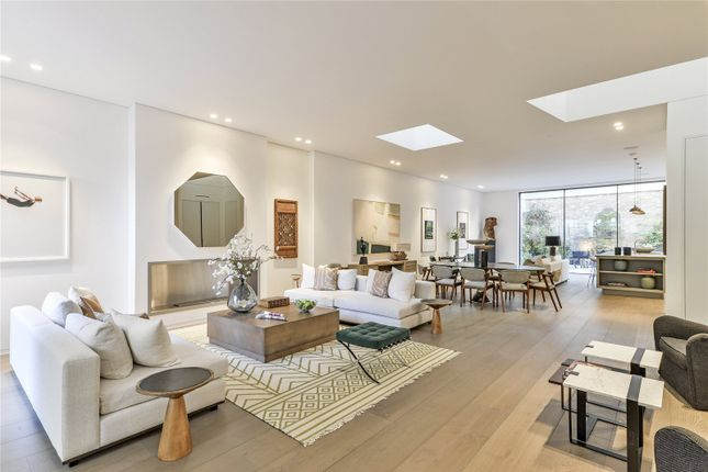 End terrace house for sale in Rede Place, London
