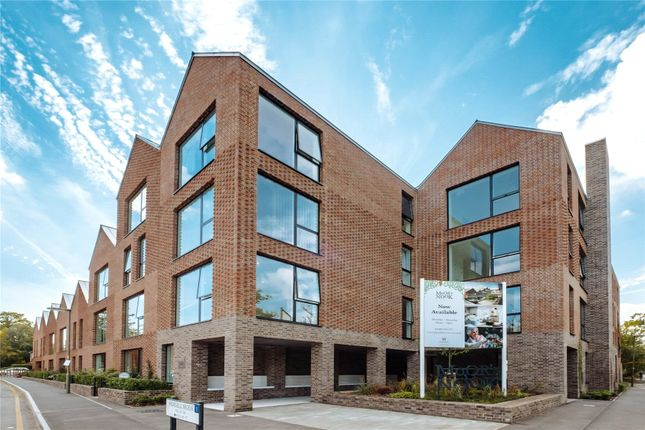 Thumbnail Flat for sale in Horsell Moor, Horsell