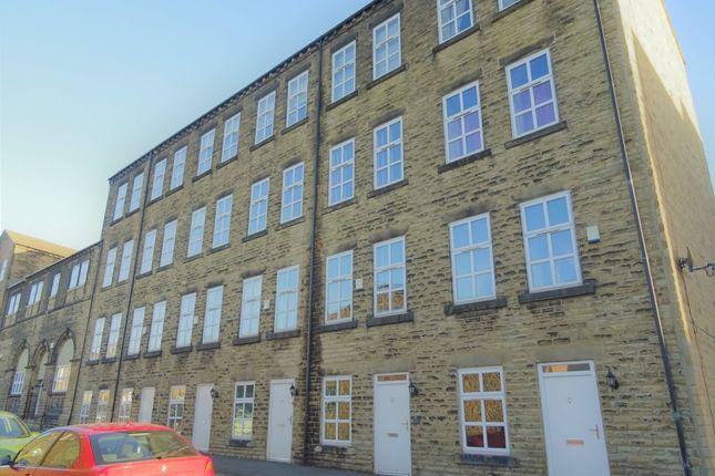 Thumbnail Town house to rent in Brunswick Street, Heckmondwike