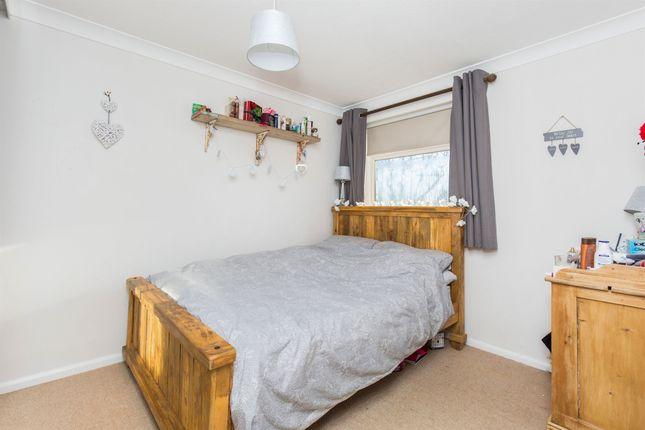 Elder close badger farm winchester so22 3 bedroom end for 5 clifton terrace winchester b b