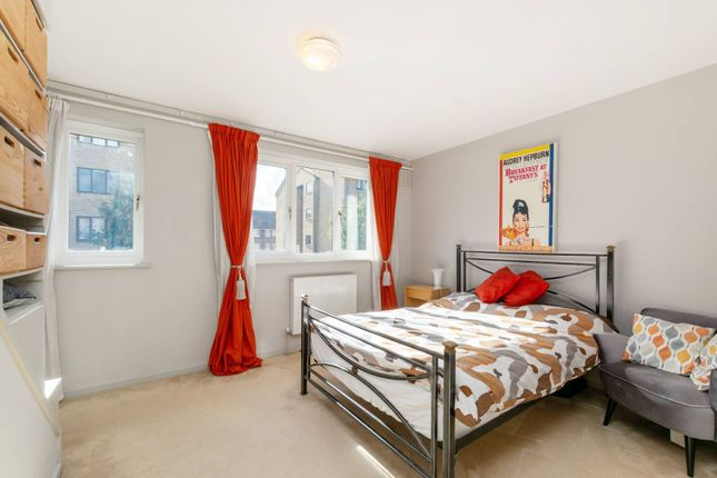 Thumbnail Property for sale in Campbell Close, Streatham