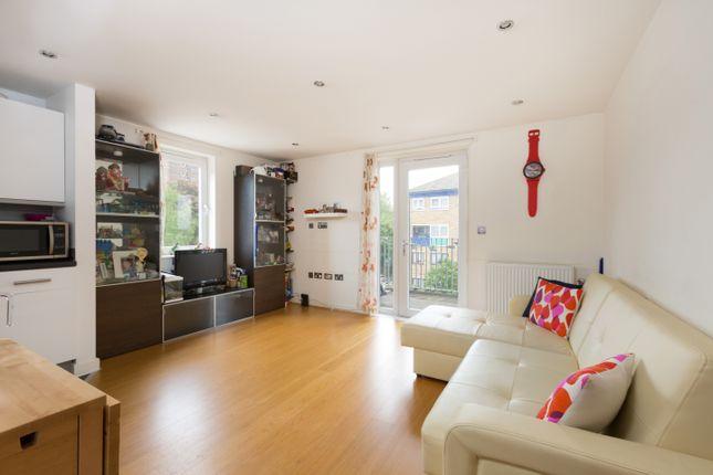 Thumbnail Flat for sale in 121 Walton Road, London