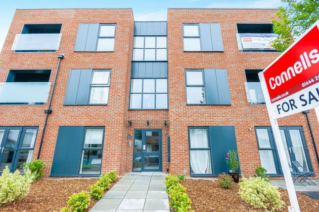 Thumbnail Flat for sale in Victoria Road, Burgess Hill