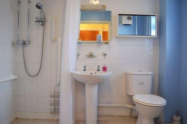 Wet Room of Sheraton Close, Abington, Northampton NN3