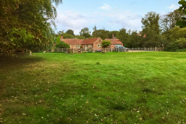 Thumbnail Barn conversion for sale in Old Bolingbroke, Spilsby
