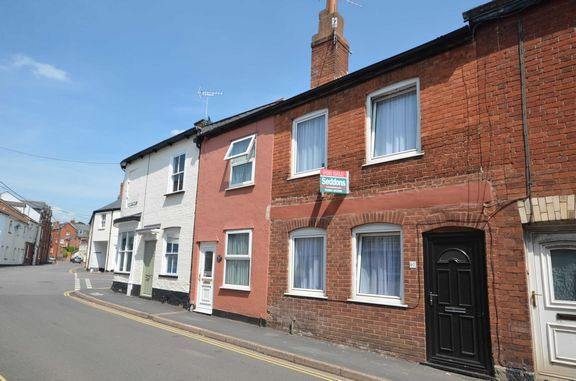 3 bed terraced house to rent in Bampton Street, Tiverton