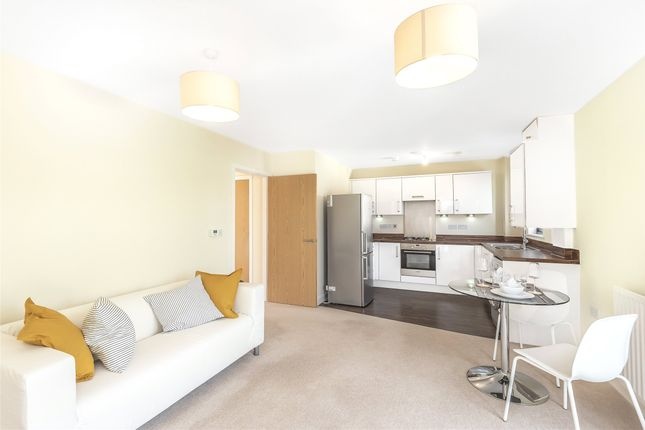 1 bed flat for sale in Cairns Avenue, London SW16