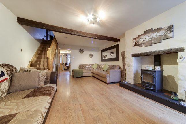 Thumbnail Cottage for sale in Northfield Road, Rising Bridge, Accrington