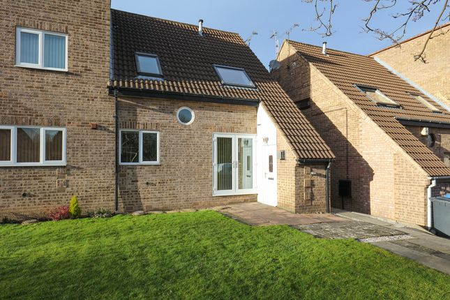 Thumbnail Town house to rent in Roydfield Close, Waterthorpe, Sheffield