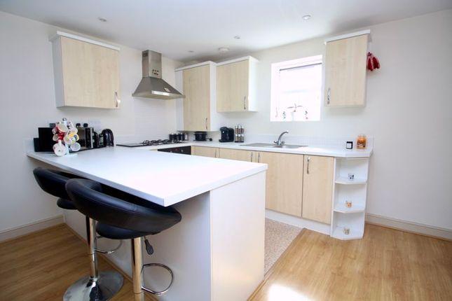 Kitchen of Weston Lane, Southampton SO19