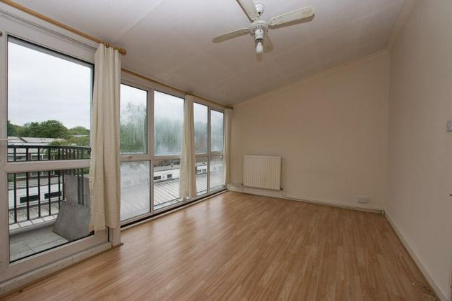 Thumbnail Maisonette to rent in Crosby Walk, Brockwell Park Brixton