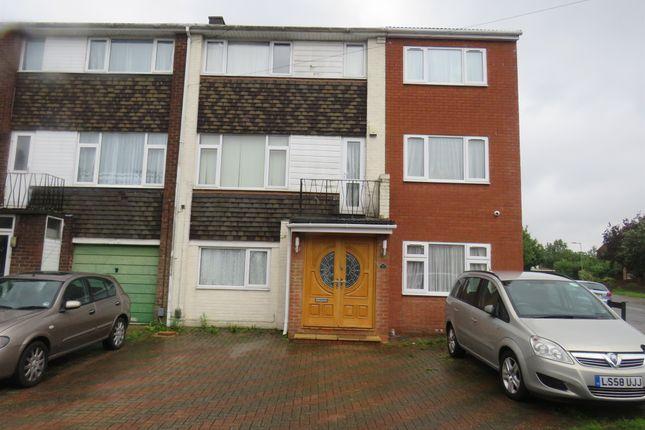 Thumbnail Town house for sale in Pembroke Avenue, Luton
