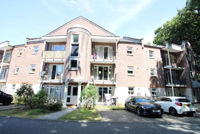 Thumbnail Flat for sale in The Topiary, Parkstone, Poole