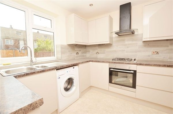 Thumbnail Terraced house to rent in Priory Ave, Wembley