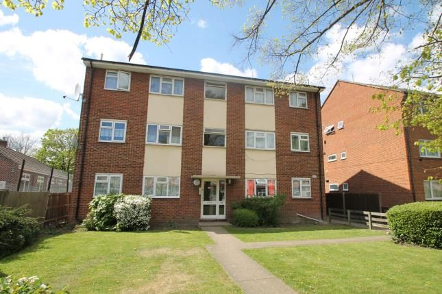2 bed flat for sale in Lodge Road, Croydon
