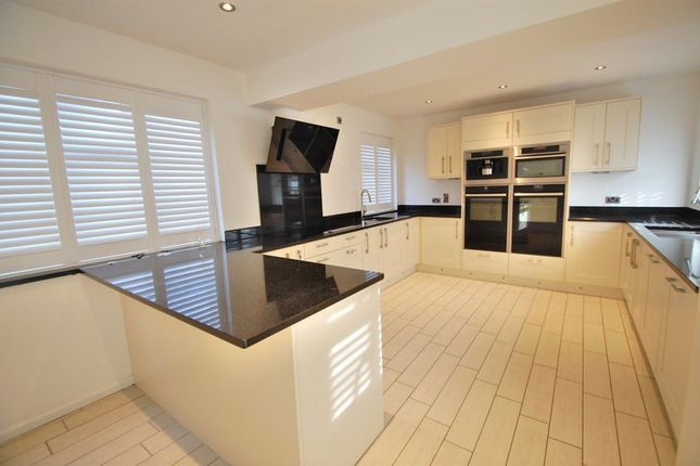 Thumbnail Property to rent in Riddlesdown Road, Purley