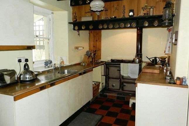 Kitchen of Talgarreg, Llandysul SA44