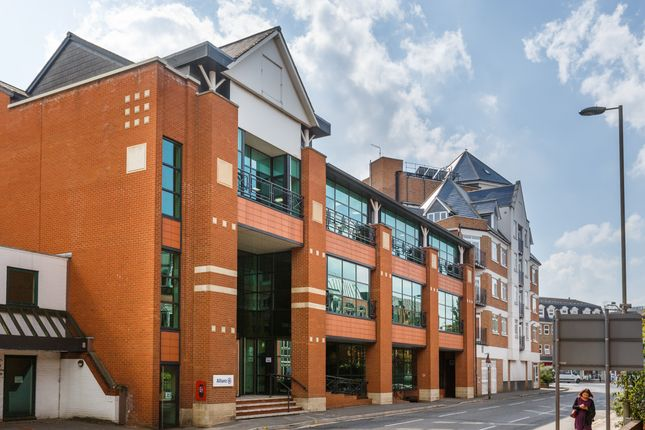 Thumbnail Office to let in Woking
