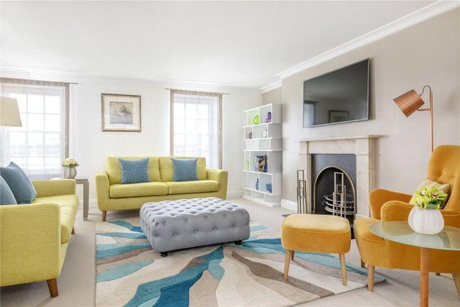 Thumbnail Flat to rent in Hertford Street, London